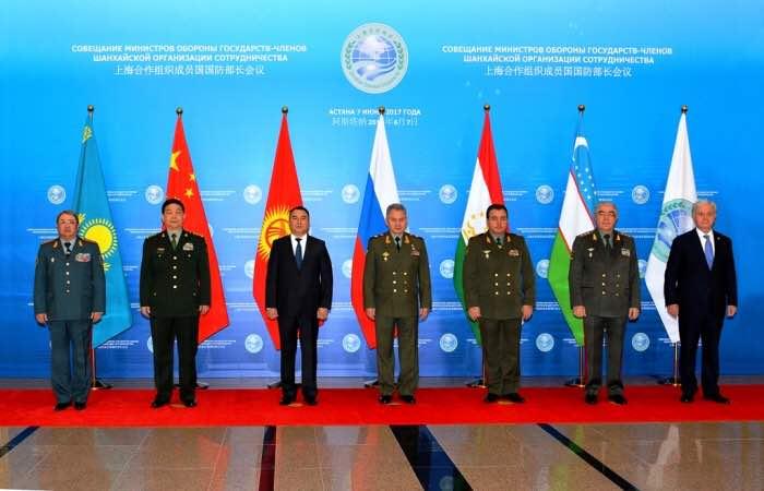 Путин пошутил над опаздывающей делегацией Китая навстрече сСиЦзиньпином