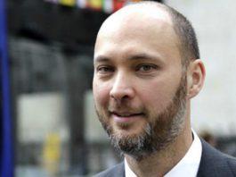 Мнение: За кулисами одного журналистского расследования или Максим Бакиев готовится завоевать фондовый рынок КР?