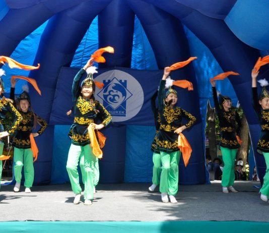 В Бишкеке отпраздновали День защиты детей (фоторепортаж)