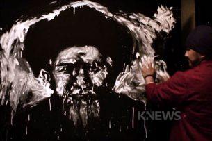 Кыргызский художник нарисовал портрет акына Токтогула Сатылганова необычным способом (видео)