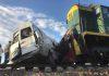 В Петровке микроавтобус столкнулся с поездом