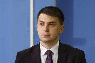 Выдвижение двух кандидатов от «Ата-Журта» свидетельствует об отсутствии единства в партии, — эксперт