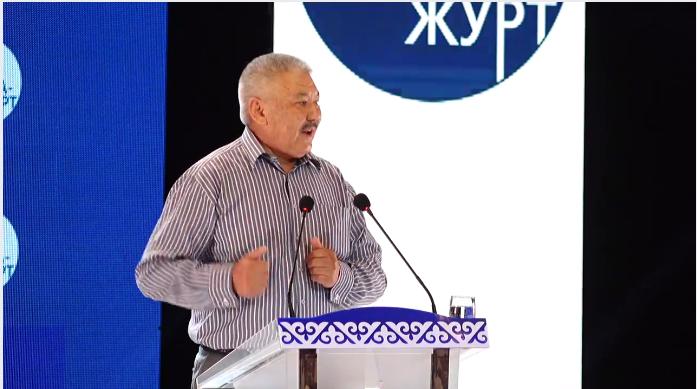 Претендентов впрезиденты Кыргызстана проверят назнание государственного языка
