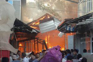 На центральном рынке в Узгене — крупный пожар (фото)