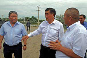 Сооронбай Жээнбеков поручил срочно начать ремонт дороги, ведущей на завод «Каинды-Кант»