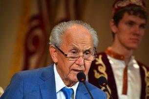 Апас Жумагулов: Лидером страны должен стать человек справедливый и волевой