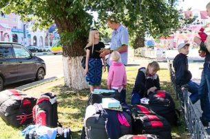 Многодетная семья из Бишкека оказалась в России без крыши над головой