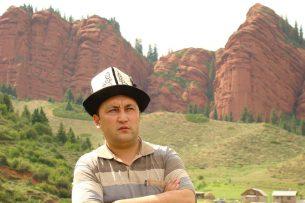 «Репортеры без границ» просят освободить журналиста Зулпукаара Сапанова