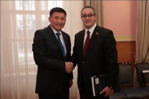 В Бишкек прибыли депутаты из Москвы
