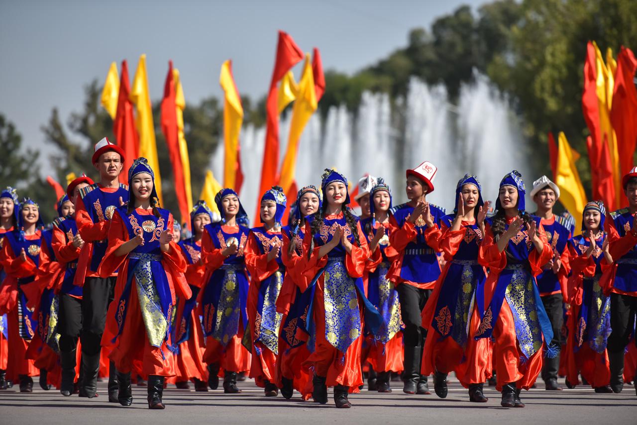 открытки ко дню независимости кыргызстана мобиль