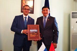 Депутаты Мосгордумы ознакомились работой Бишкекского горкенеша