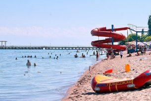 Иностранцы отказались купаться в Иссык-Куле из-за отсутствия туалетов