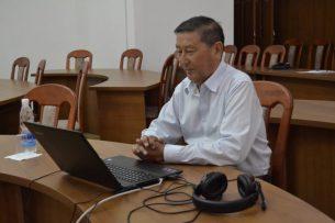 От коронавируса скончался экс -спикер парламента Мукар Чолпонбаев