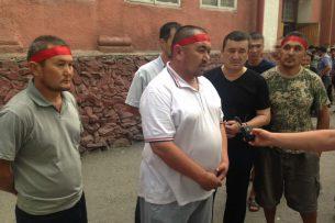 Дело Текебаева: К Первомайскому суду пришли сторонники, объявившие голодовку
