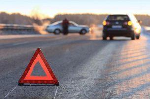 В Бишкеке на светофоре автомобиль сбил 12-летнего мальчика, водитель сбежал