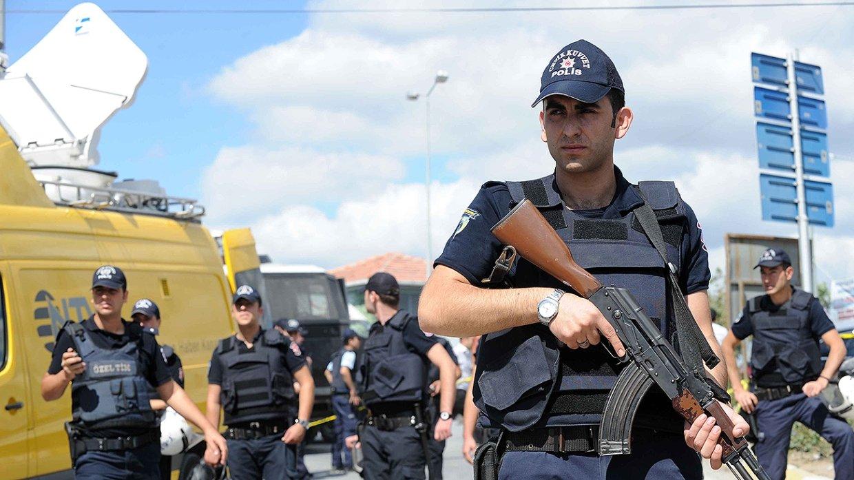Неизвестные устроили стрельбу неподалеку отздания суда вСтамбуле