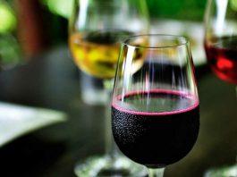 Российские телеканалы будут рекламировать вино, произведенное в Кыргызстане и Казахстане