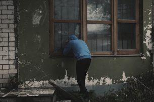 """В Бишкеке задержан """"квартирный гастролер"""" из Казахстана"""