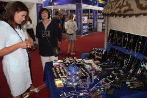 В Бишкеке стартовала III Международная выставка товаров стран Шелкового пути