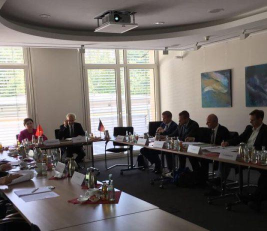 Специалисты из Кыргызстана обсудили в Германии проекты по снижению риска стихийных бедствий в КР и Центральной Азии