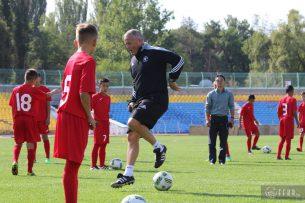 Английские футболисты провели тренировки с юными игроками национальной команды