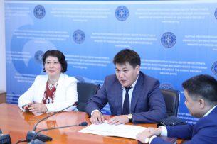 Нового замминистра иностранных дел Кыргызстана представили руководящему составу