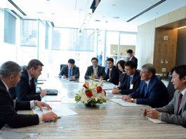 Алмазбек Атамбаев встретился с вице-президентом General Electric в Нью-Йорке