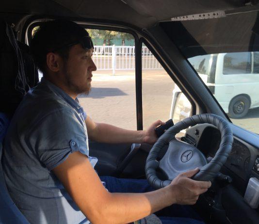 Очевидец K-News: Водитель бишкекской маршрутки бесплатно возит беременных женщин