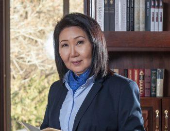 Взгляды разошлись: Эльмира Ибраимова покидает пост руководителя штаба Темира Сариева