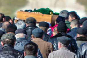 В Таджикистане запретили поминки и громкий плач на похоронах