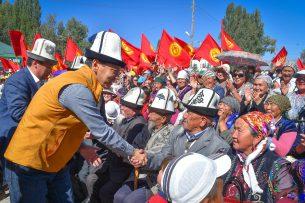 Жители Ат-Баши поддержали Омурбека Бабанова
