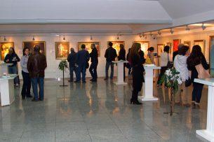 Художник из Кыргызстана презентовал свои работы в музее Ямала