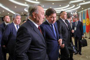 Нурсултан Назарбаев поручил правительству Казахстана снять все вопросы на границе