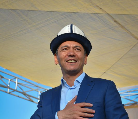 Омурбек Бабанов поздравил кыргызстанцев с годовщиной выборов президента