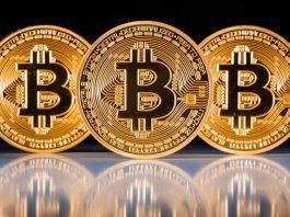 Биткоин стал дороже золота в 4,5 раза