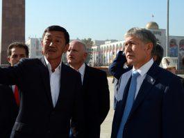 Атамбаев ознакомился с ходом реконструкции Государственного исторического музея