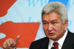 Феликс Кулов о новом деле против Атамбаева: Обвиняемый может защищаться всеми законными способами