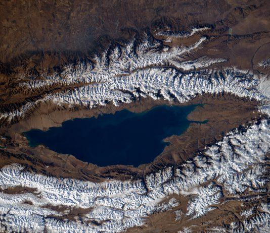 Что выгоднее казахстанцам —  Алаколь или Иссык-Куль? По итогам сезона Forbes.kz решил сравнить