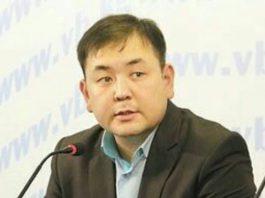 Мелис Аспеков намерен объявить голодовку, если Садыр Жапаров не уволит Бакыта Сыдыкова и Арзыбека Бурханова