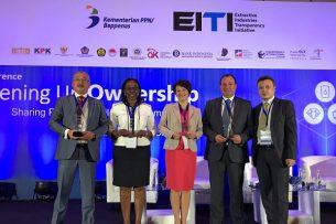 Кыргызстан удостоен международной премии за прозрачность в горнорудной отрасли