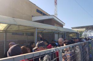 Ситуация на границе: на трех КПП простаивают минимум 500 автомобилей, у людей сдают нервы