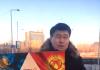 Активист устроил в Астане акцию «Если ты за дружбу народов, обними меня!»