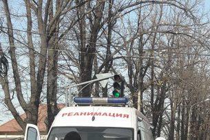 В Бишкеке карета скорой помощи попала в ДТП