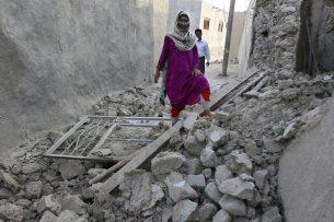 Атамбаев выразил соболезнования президенту Ирана в связи с жертвами в результате землетрясения