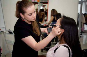 Уроки макияжа от бишкекского визажиста Кристины Сизых