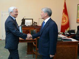 Президент Алмазбек Атамбаев принял председателя Нацбанка Кубанычбека Кулматова