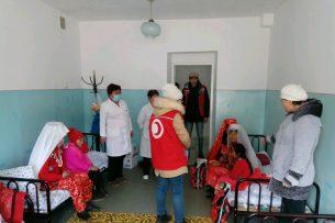 В Нарыне памирские кыргызы получили гуманитарную помощь