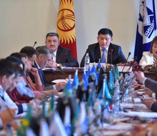 «Республика – Ата Журт» поинтересовалась у СДПК, почему их депутаты развалили коалицию в БГК