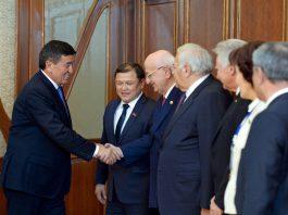 Сооронбай Жээнбеков встретился с главами делегаций ТюркПА (фото)