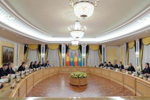 Назарбаев – Жээнбекову: Верю, что мы откроем новую страницу наших взаимоотношений